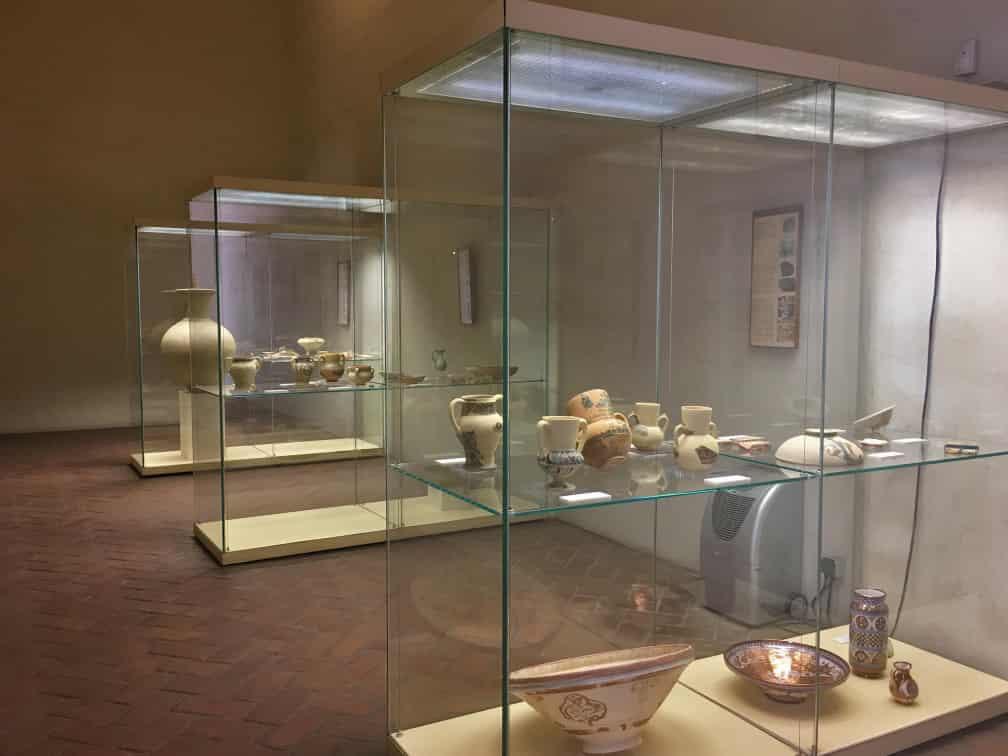 exposicion de ceramica de la alcazaba
