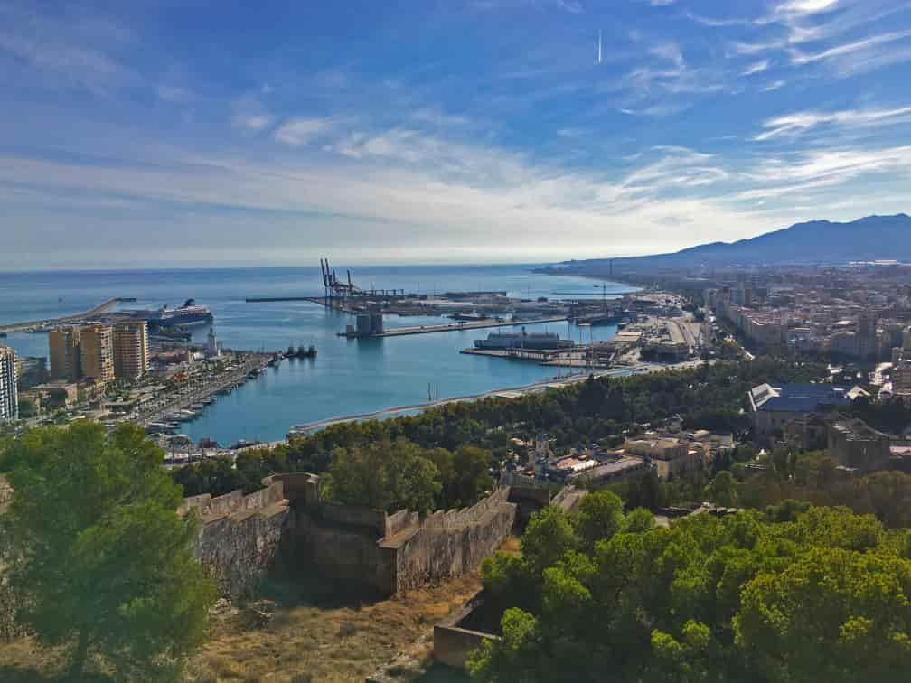 vistas de la coracha desde el castillo de gibralfaro